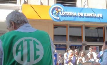 Trabajadores de Lotería de Santa Fe profundizan medidas de fuerza