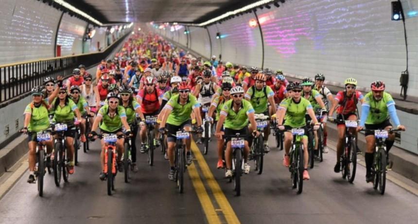 Más de 1000 ciclistas curzarán el Túnel Subfluvial el sábado