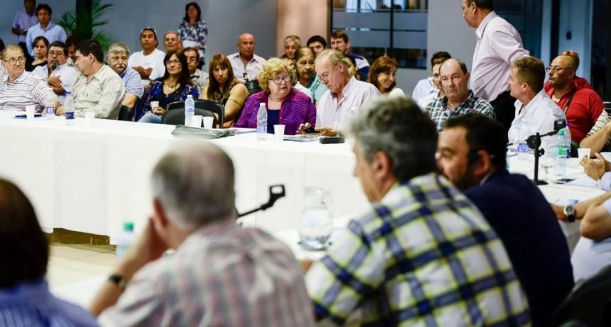 Festram convoca a intendentes electos para un Pacto Social