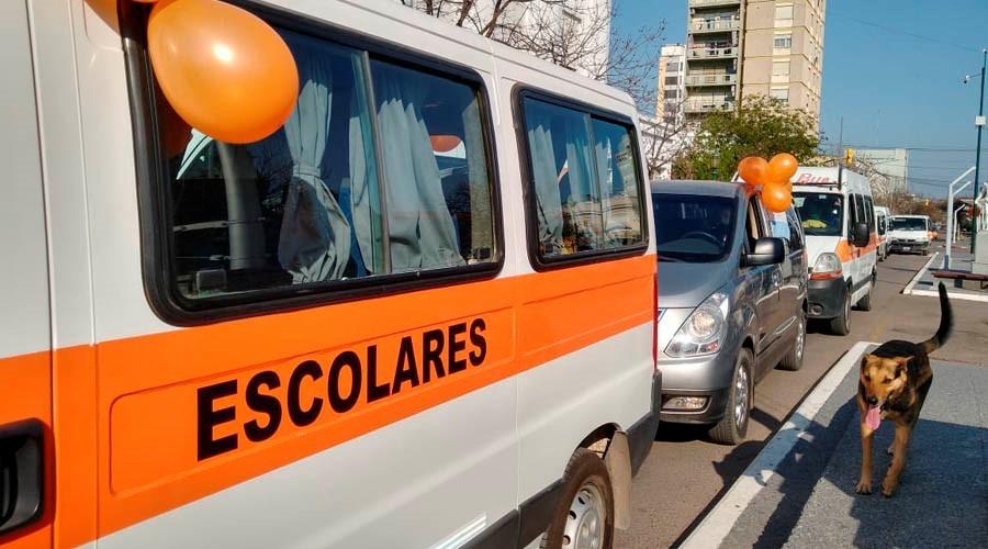 Los transportistas escolares esperan autorizaciones para trabajar con colonias de vacaciones