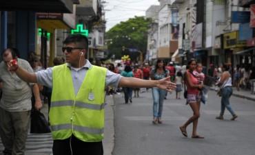 El Municipio peatonaliza arterias del microcentro por las compras navideñas