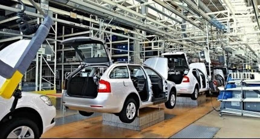 La producción automotriz bajó más de 18 por ciento en noviembre