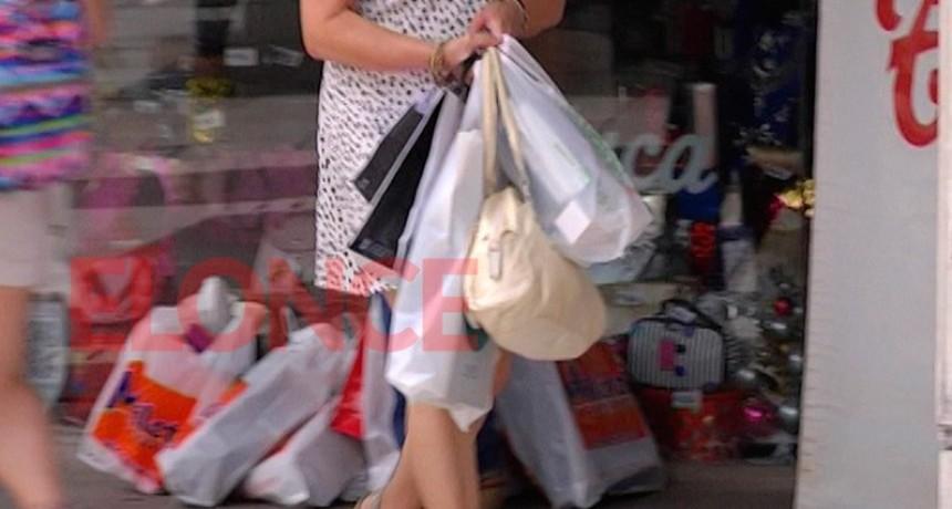 La mayoría de los argentinos gastará menos en Navidad