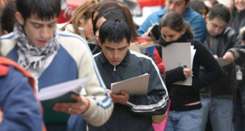El empleo registrado retrocedió 1 por ciento interanual en octubre