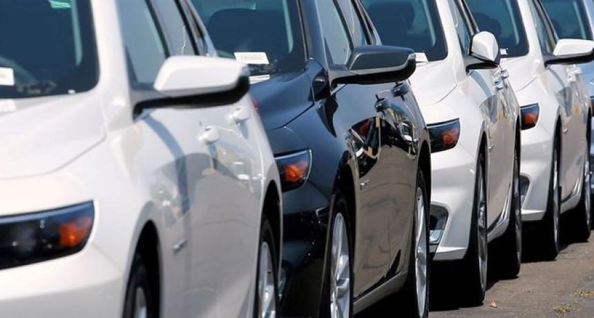 Tres de cada 4 autos vendidos en el país son importados