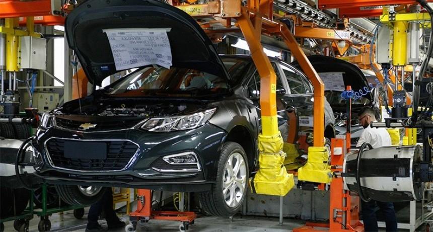 La producción automotriz acumula 15 meses de caída